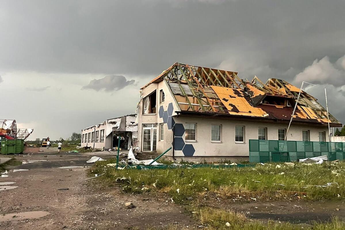 Tornado hits blinds factory in Czech Republic
